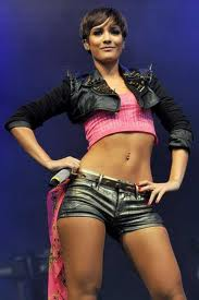 frankie sandford belly ring